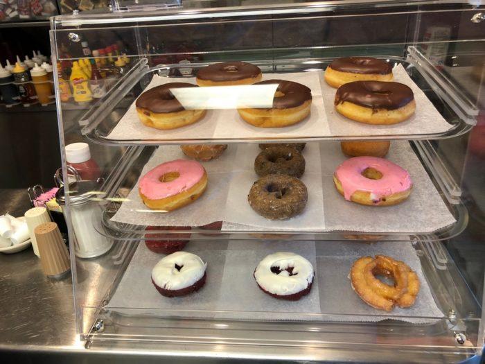 donuts-doughnuts
